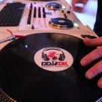 DJ med mobildiskotek til julefrokosten